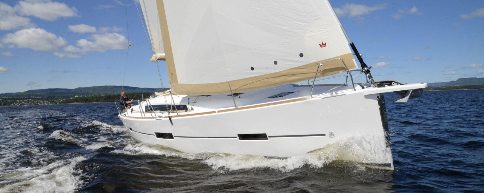Dufour Yachts 412 under way